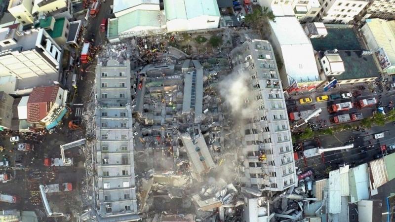 Японд болсон газар хөдлөлтийн бичлэг